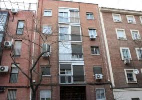 Madrid,2 Habitaciones ,1 Baño,Piso,Mateo García,3,1289